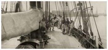 Livonia - Photo Beken of Cowes