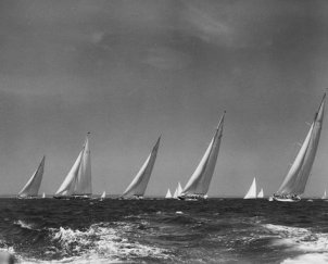 America's Cup. Start of J Class race with Yankee JUS2 on far right.